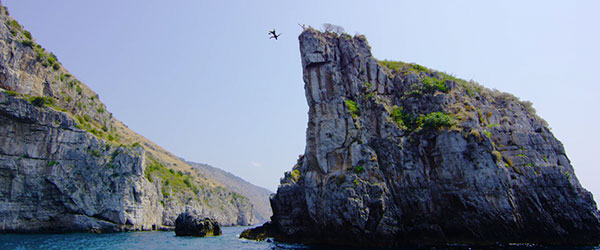 Video: Cliff Jumping Italy