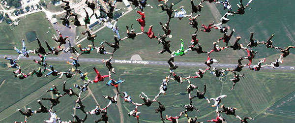 Video: 164-Person World Record Chicago Skydive