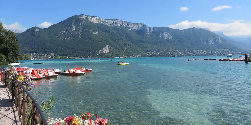 three_clearest_lakes_europe_annecy_lake