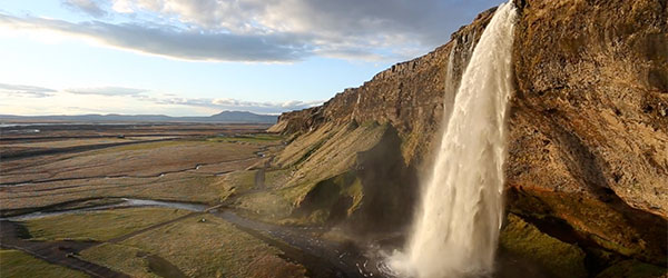Video: Powerful Iceland
