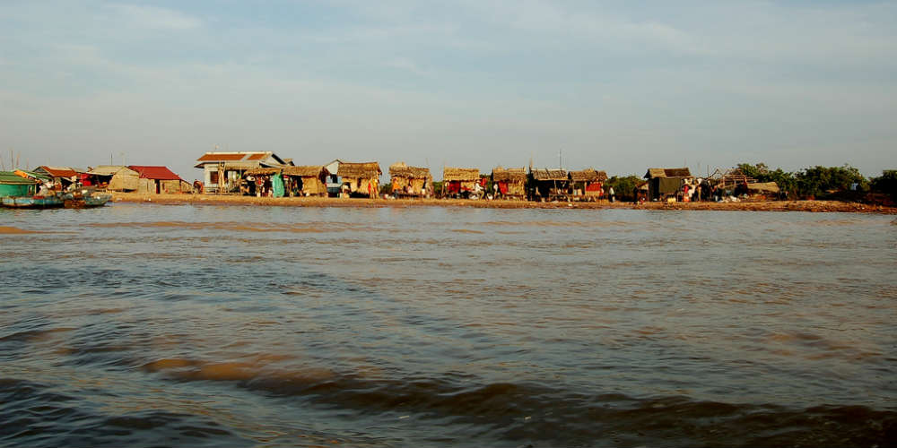 10_interesting_facts_cambodia_tonle_sap