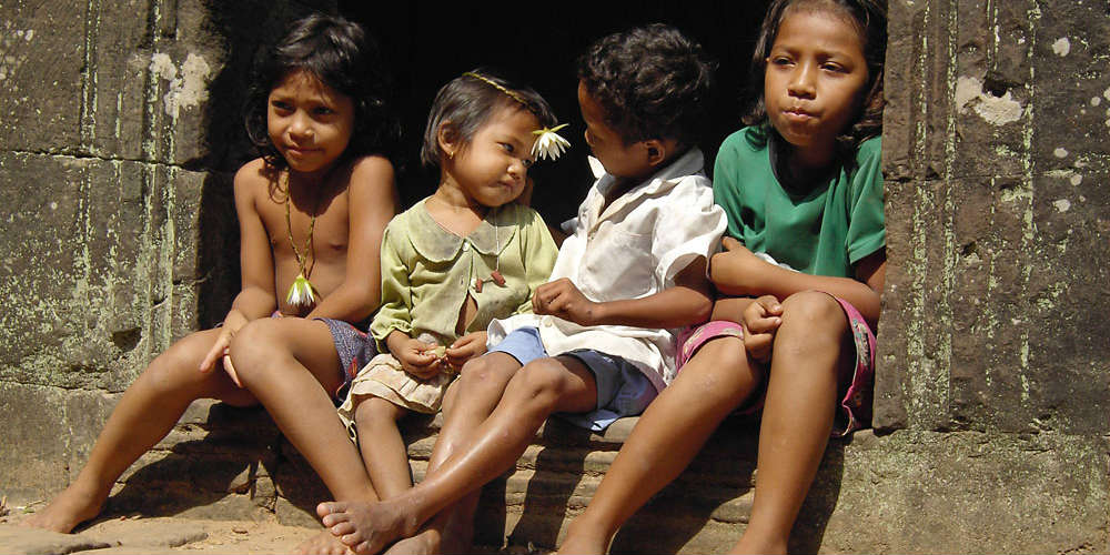 10_interesting_facts_cambodia_young_population
