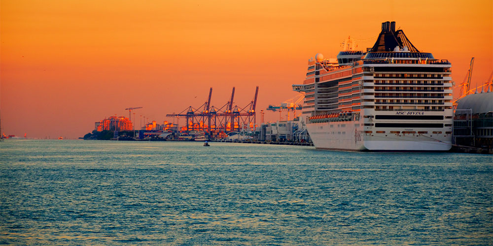 10 facts about cruising