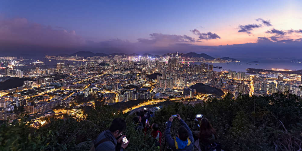 15_reasons_to_visit_hong_kong_hiking_skyline