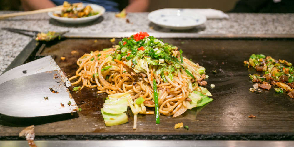 five_dishes_to_try_in_japan_okonomiyaki
